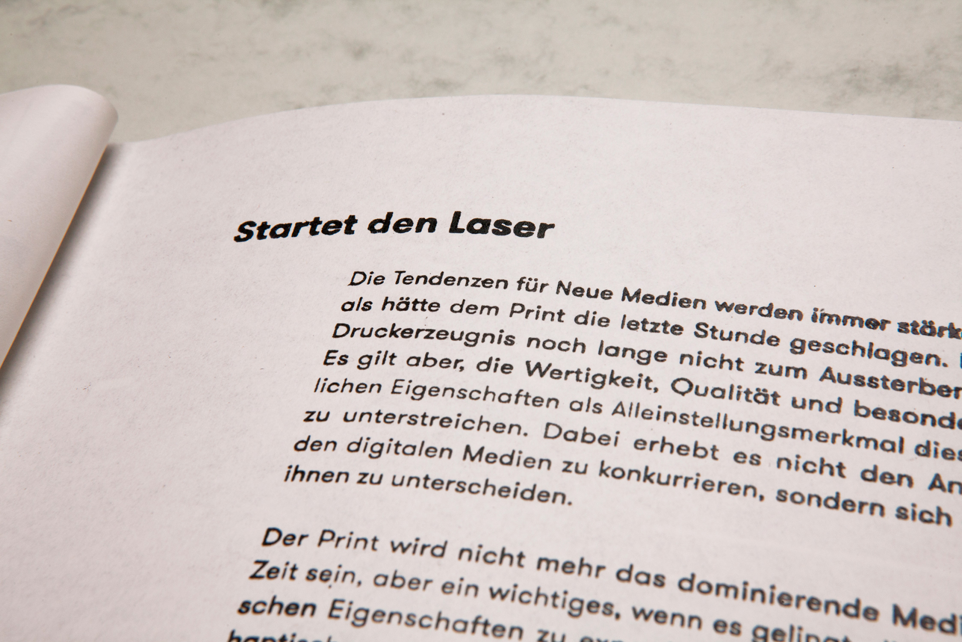 Katrin Behrens Startet den Laser, Bachelor
